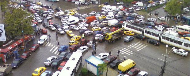 Tipic romanesc: sistemul de fluidizare a traficului din Bucuresti, vinovat pentru aglomeratie