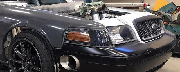 Tipului asta nu-i pasa de consum sau emisii. Lucreaza la o masina cu motor V12 de 27 de litri