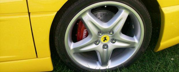 Toata lumea crede ca-i bogat si are un Ferrari, dar masina pe care o conduce costa cat un Golf la mana a doua. POZE REALE