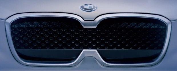 Toata lumea se intreaba ce a fost in capul lor. Noua masina de la BMW are o grila frontala... a la KIA