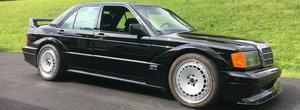 Toate lumea care se-nghesuie sa vada un 190 Evo are un soc. Acest Mercedes este, de fapt, un C63 AMG