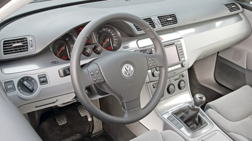 Toate piesele necesare pentru schimbul de volan - anglia - europa pentru VW Passat 2005-2009.