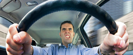 Top 10 lucruri care ne fac viata grea la volan