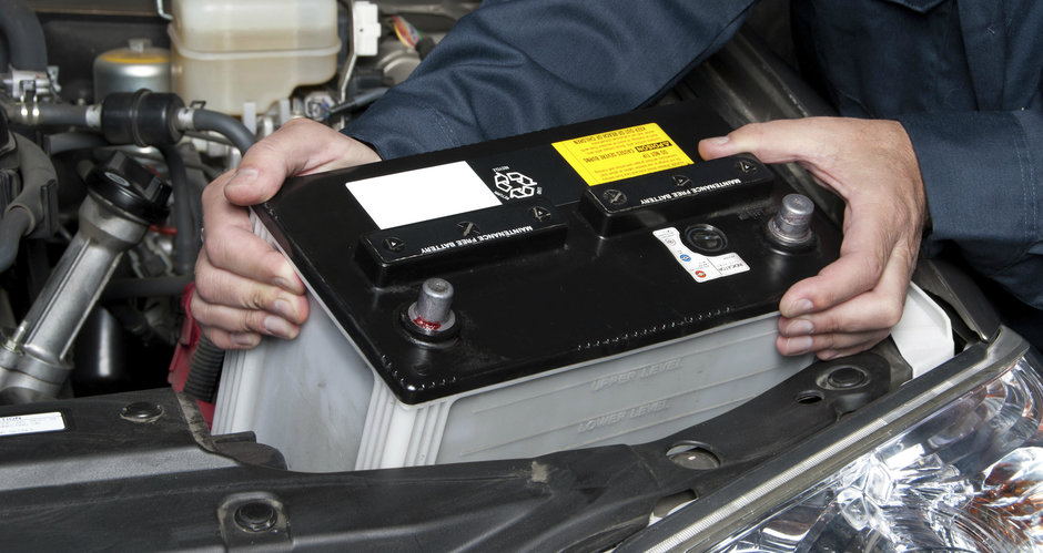 Totul despre bateria masinii: cum functioneaza, ce durata de viata are si cate tipuri sunt
