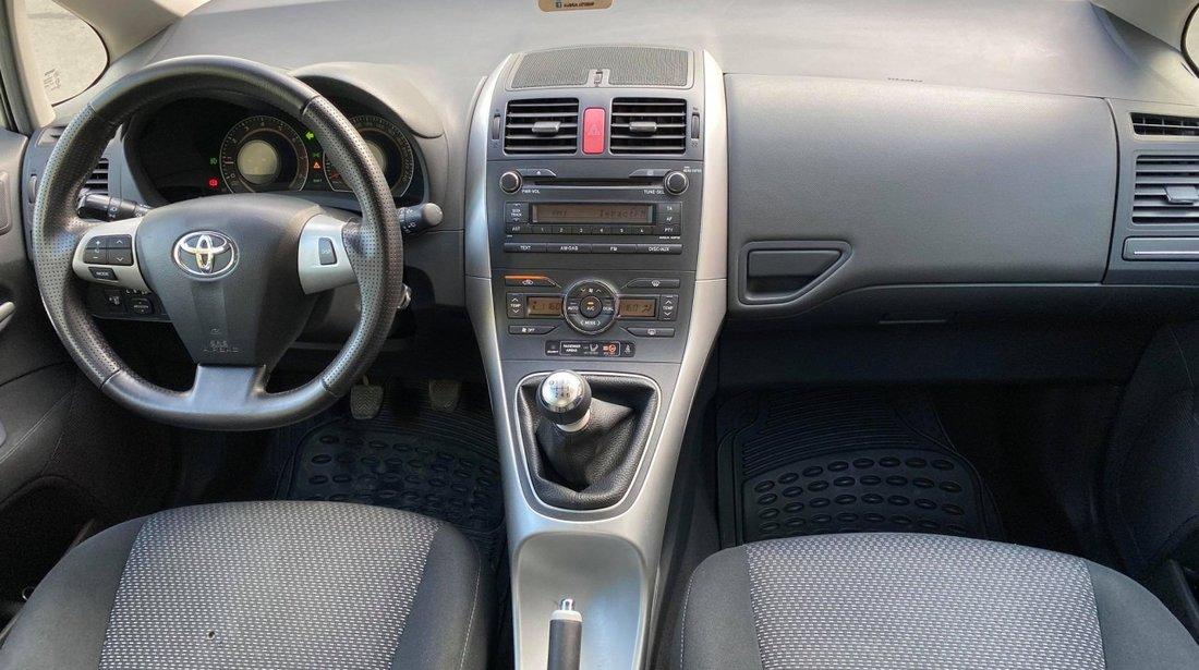 Toyota Auris 1.6i 2010