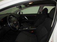 Toyota Avensis Combi Executive 2.0 D-4D 124 CP 2012