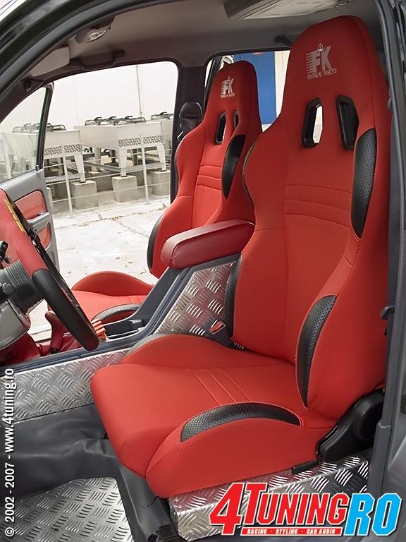 Toyota Hilux TTE tunata de WRC - Revista 4TuningRO nr 1