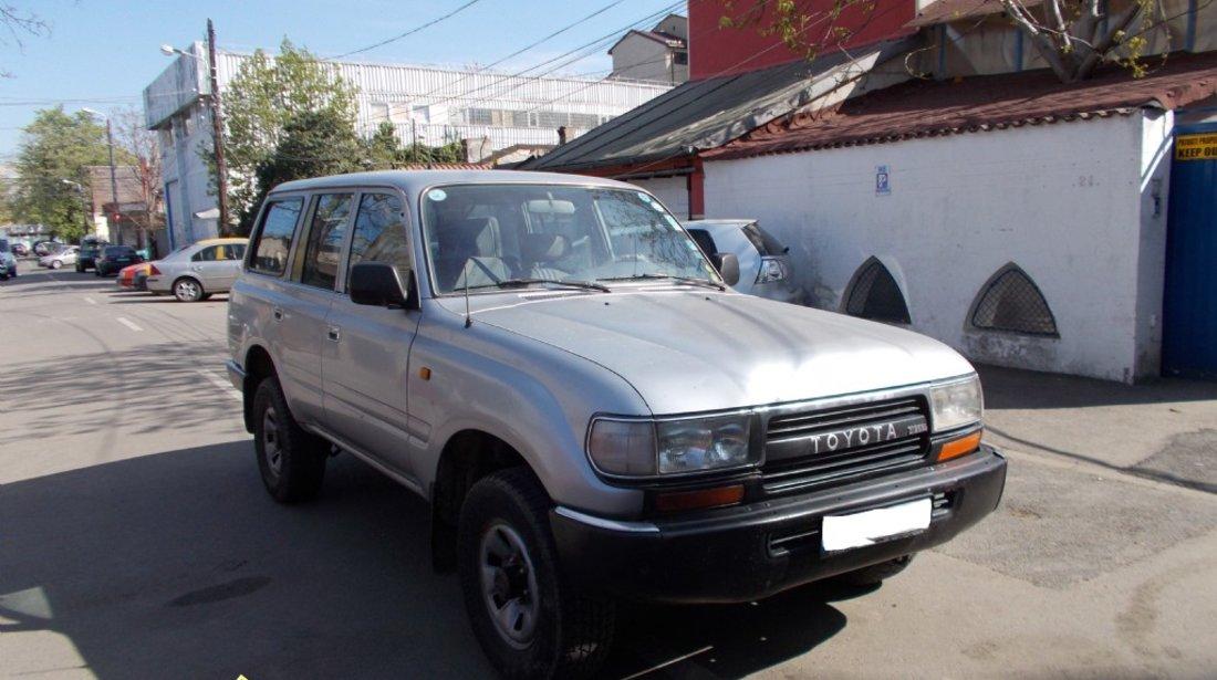 Toyota Land Cruiser 4 2