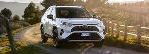 Toyota RAV4 este noul ghimpe din coasta producatorilor europeni. Are 218 CP si consuma 4.4/100 de km