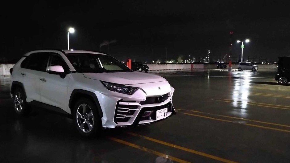 Toyota RAV4 transformata in Urus