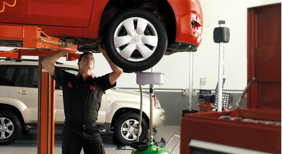 Toyota Romania isi premiaza tehnicienii priceputi