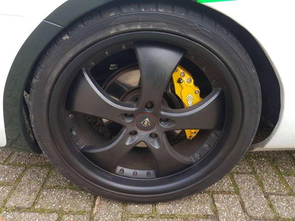 Toyota Supra transformata in Bentley