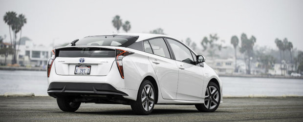 Toyota trebuie sa traga tare pe final de an. Pozitia de cel mai mare producator auto din lume ii este pusa in pericol