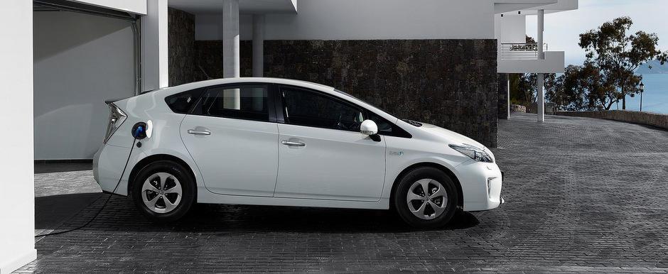 Toyota trece pe baterii litiu-ion