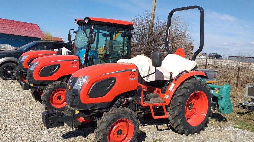 Tractor nou, 4x4 de 35CP, Kioti CK3510M cu plug 3 brazde inclus