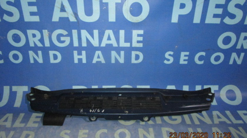 Trager Renault Scenic 2000;  7700423730