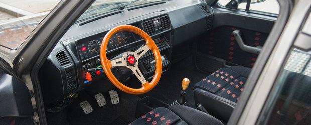 Trebuia sa se bata cu Golf GTI, dar pentru multi e o necunoscuta. Masina din '87 face suta in doar 7,8 secunde