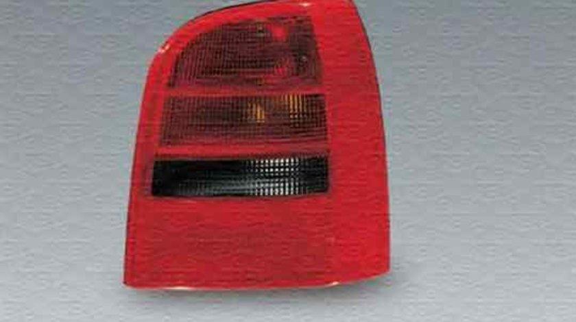 Tripla Lampa spate AUDI A6 Avant 4B5 C5 MAGNETI MARELLI 714029081801