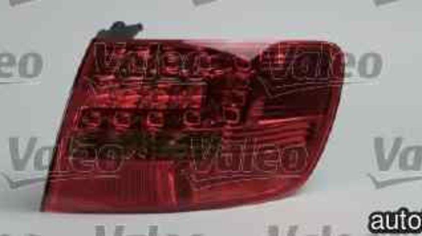 Tripla Lampa spate AUDI A6 Avant 4F5 C6 VALEO 043329