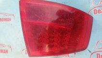 Tripla stop lampa dreapta spate Audi A8 3.0 benzin...