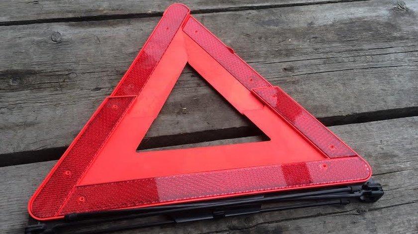 Triunghi reflectorizant Audi A4 4B5860251C