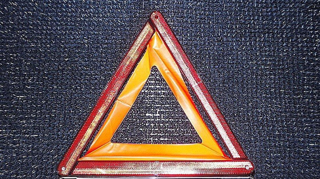 TRIUNGHI REFLECTORIZANT MERCEDES A-CLASS A-CLASS - (2004 2012)