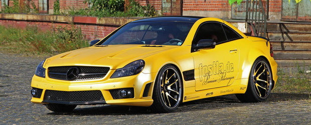 Tuning Mercedes: Fostla trateaza vechiul SL55 cu o folie ridicola, plus alte modificari