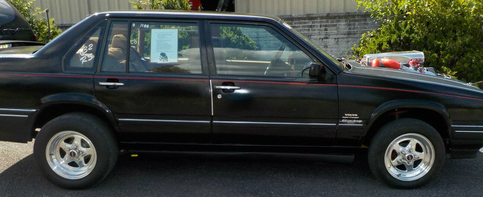 Un american isi vinde pe internet masina de strada. Este un Volvo cu motor de 10.3 litri si 3000 CP