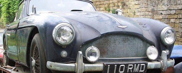Un Aston Martin ruginit s-a vandut cu 319.000 de dolari!