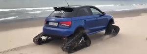 Un Audi S1 cu senile in loc de roti fuge de zor pe plaja Marii Negre