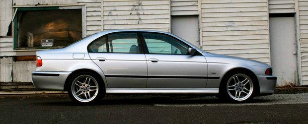 Un BMW 540 cu kilometri putini e de vanzare in SUA. Are motor V8 si cutie manuala