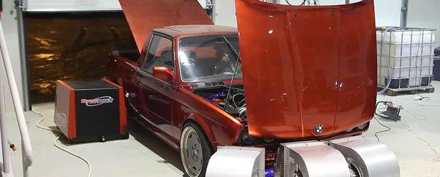 Un BMW E30 cu motor 2.3 Turbo de 531 cp a fost realizat in Romania de Vector Custom & Service