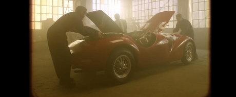Un clip emotionant despre cum Enzo Ferrari a scos pe sosea prima lui masina de strada acum 70 ani