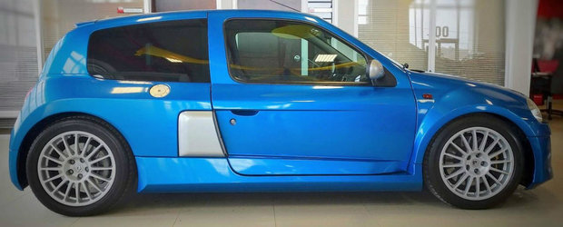 Un dealer din Canada are la vanzare un Renault Clio V6. Masina franceza se bate pe clienti cu un Dodge de 6,4 litri