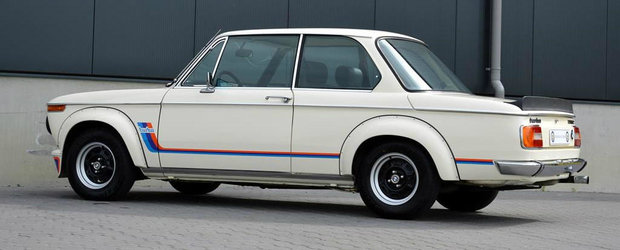 Un exclusivist BMW 2002 Turbo se vinde acum in Germania. Cat costa masina