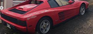 Un Ferrari abandonat 17 ani pe marginea drumului este acum de vanzare. Pentru cat il poti lua acasa