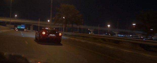 Un Ferrari F12 Berlinetta face cunostinta cu parapetul, aparent stupid