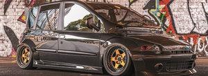 Un Fiat Multipla cum n-ai mai vazut. Cea mai urata masina din lume a fost culcata pe burta si are bodykit latit