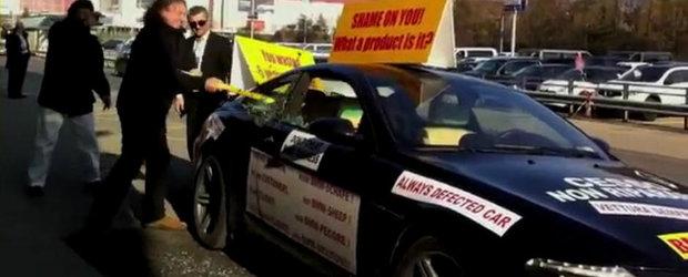 Un iranian isi face praf BMW-ul M6 din cauza problemelor acestuia. Din nou!