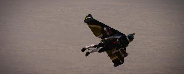 Un Jaguar XJ se intrece cu Jetman: cine crezi ca este mai rapid?