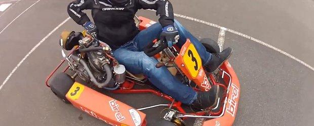 Un kart cu motor de motocicleta stie sa faca cerculete pe... 2 roti