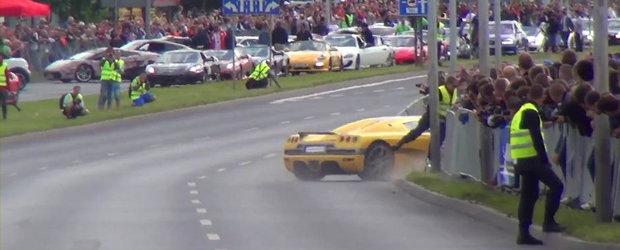 Un Koenigsegg scapat de sub control lasa in urma 19 raniti
