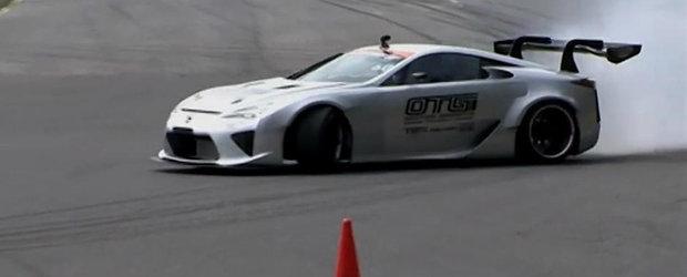 Un Lexus LFA cu motor V8 de 1000 CP face spectacol pe pista de drift