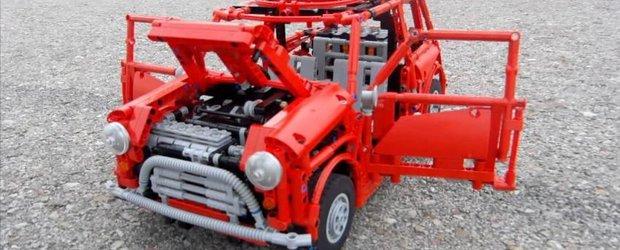 Un MINI Cooper Mk 1 din LEGO? Desigur, complet functional!