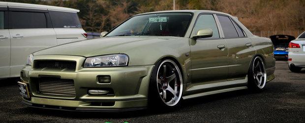 Un Nissan Skyline R34 cu patru usi. Si tuning cat incape... intr-un sedan