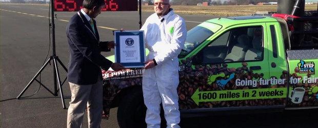 Un nou record de viteza pentru masina care merge cu zat de cafea