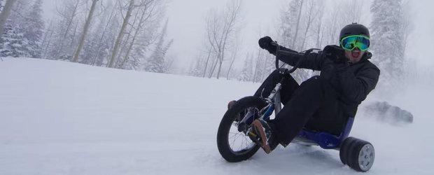Un nou sport de iarna: drifturile cu o tricicleta pe o partie de schi. Exista ceva mai frumos???