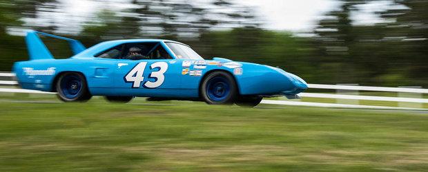 Un Plymouth Superbird e condus pentru prima oara dupa 45 de ani