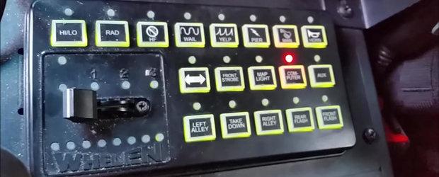 Un politist de treaba ne arata ce face fiecare butonas din autospeciala pe care o conduce