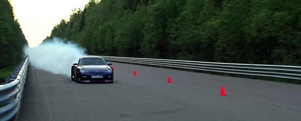 Un Porsche de 1.500 CP, aproape sa se aprinda in timpul unei curse